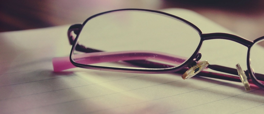 glasses-919304_1280